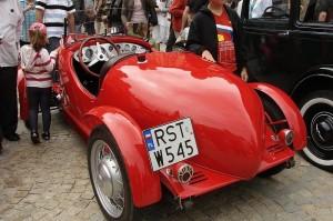 Zlot pojazdów II Rzeczpospolitej czyli dotyk historii i luksusu