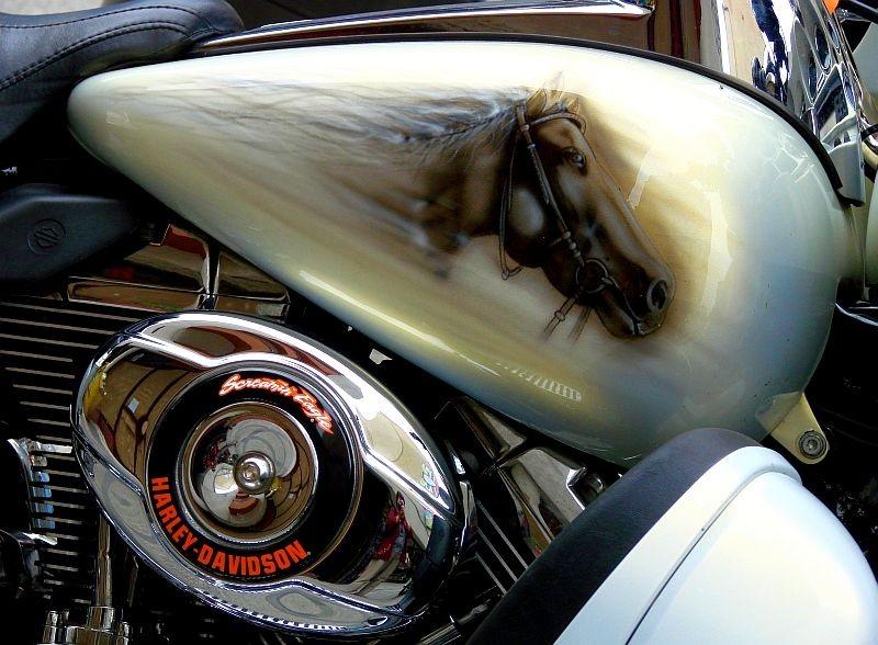 Harley-Davidson. Inwazja motocykli okiem przechodnia