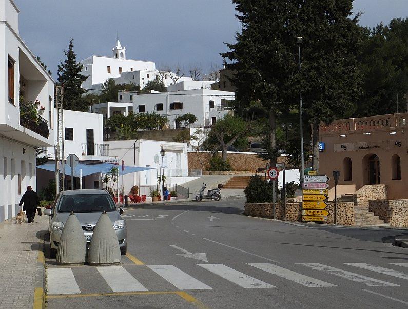 Sant Miquel de Balansat. Miasteczko na północnym brzegu Ibizy
