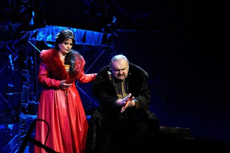 Żądza władzy, zbrodnia i kara w  megawidowisku operowym Makbet – nowej premierze Opery Wrocławskiej