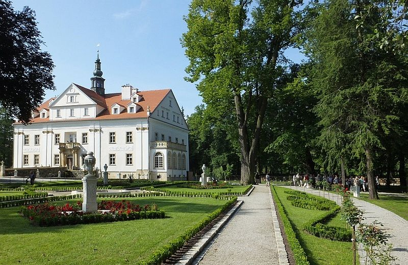 Urlop na godziny. Pałac w Ciechanowicach