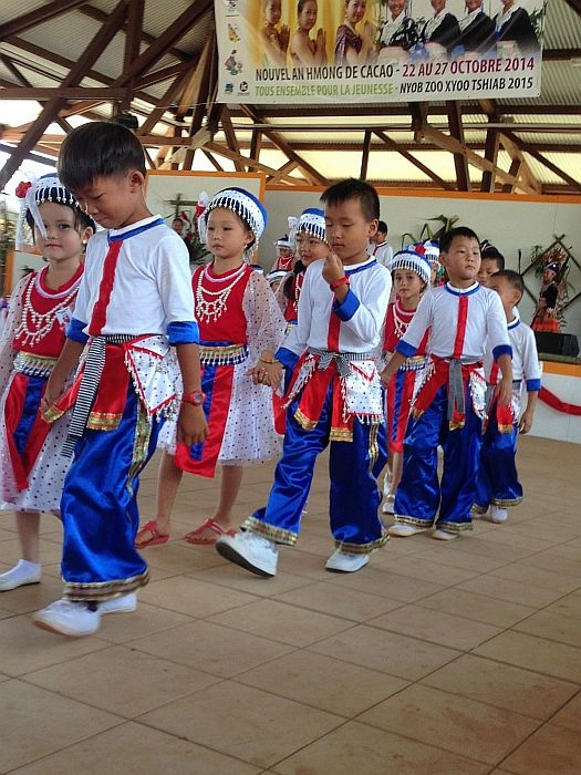 Nowy Rok Hmongów. Dwa kontynenty w jednej podróży