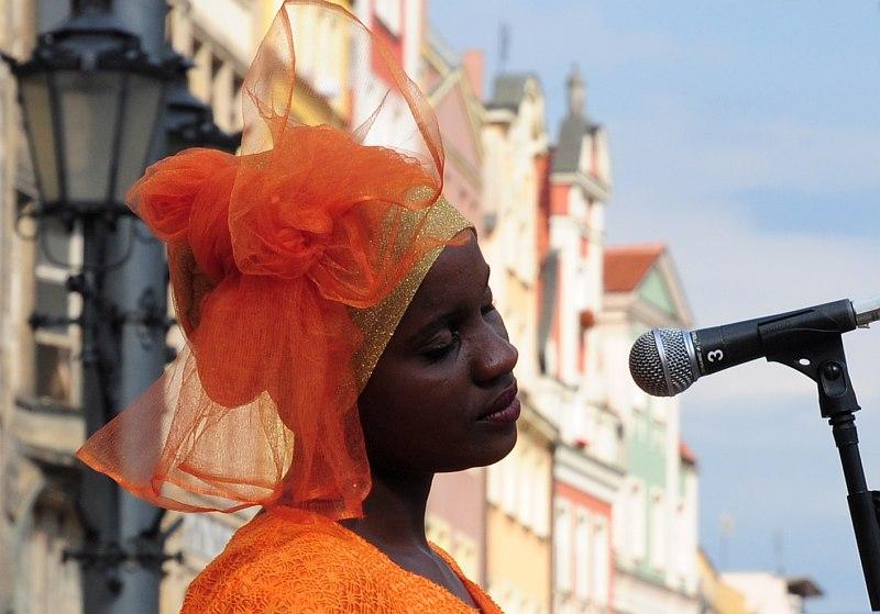 Brave Festival 2015. Zanzibar Taarab – Kidumbak Ensemble w pełnym słońcu