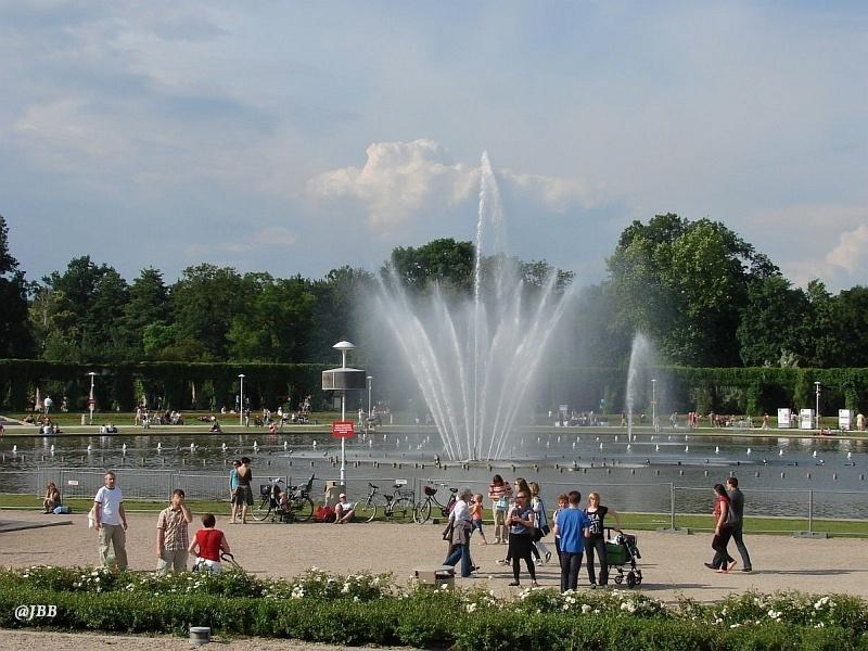 Fontanny Wrocławia i Łodzi –  tradycja i nowoczesność