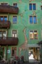 Zielony dom z żyrafą
