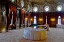 Wnętrze pałacu. Sala jadalna.