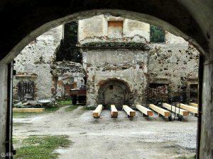 Pałac w Gorzanowie. Babcie niszczyły, wnuki remontują