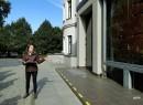 Pani Agnieszka Naglik prowadziła spacer szlakiem szklanej architektury