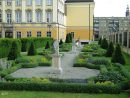 Królewski ogród za Pałacem Królewskim
