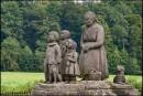 Babiccino Udoli - pomnik Babuni z dziećmi