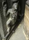 Detal na drzwiach katedry