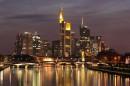 Skyline Frankfurt nad Menem Fot.Wikipedia Commonos
