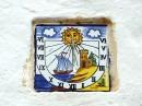 Sant Rafael - pojedyncze płytki w murze kościoła